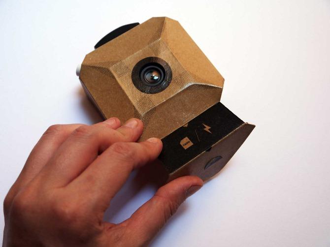 Craft-camera-digital-do-it-yourself-carton