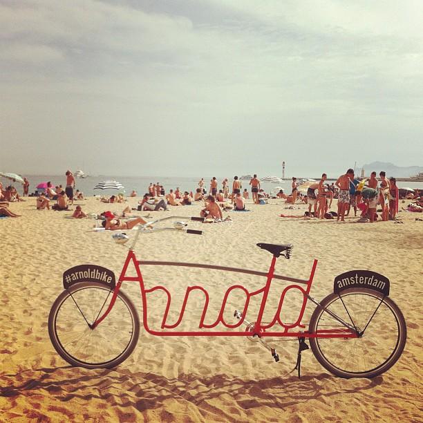 Arnold bike, la bicicleta tipográfica en Cannes