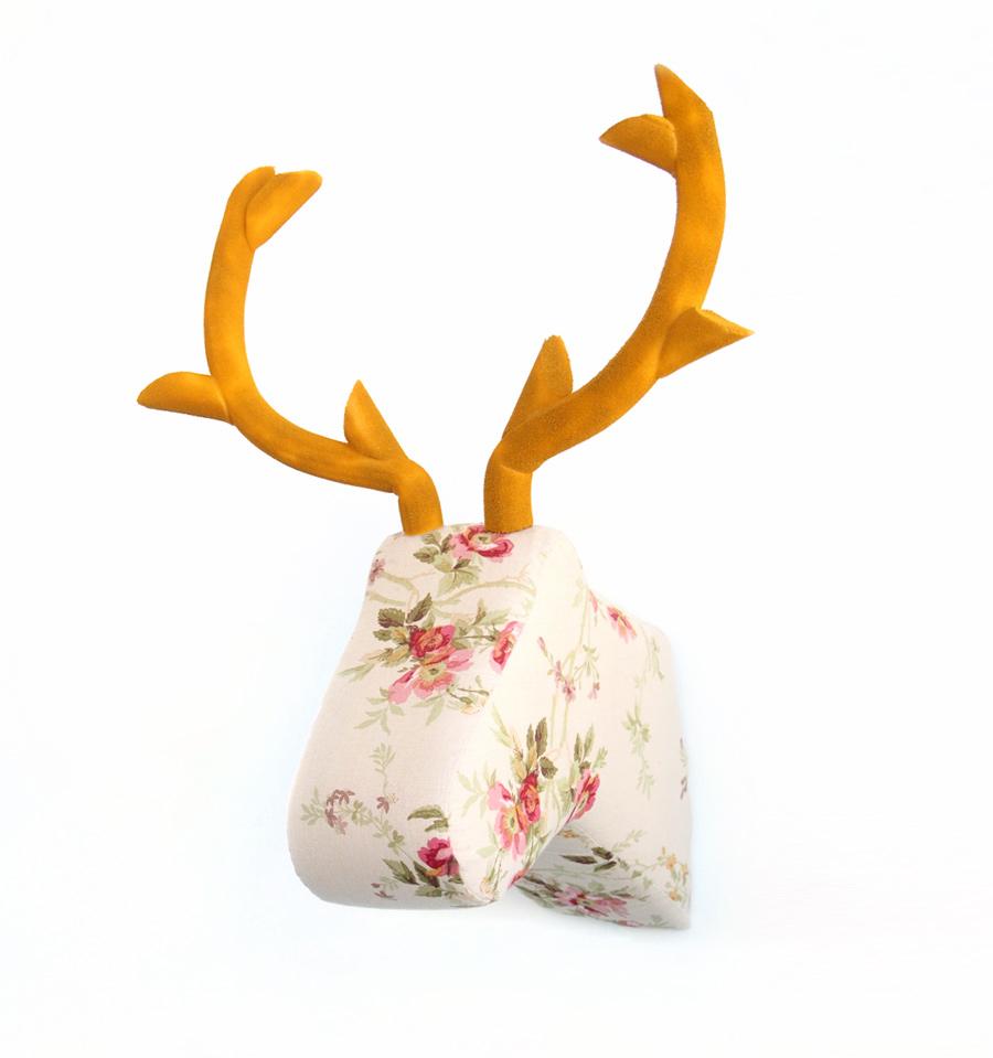 cabeza de ciervo de tela