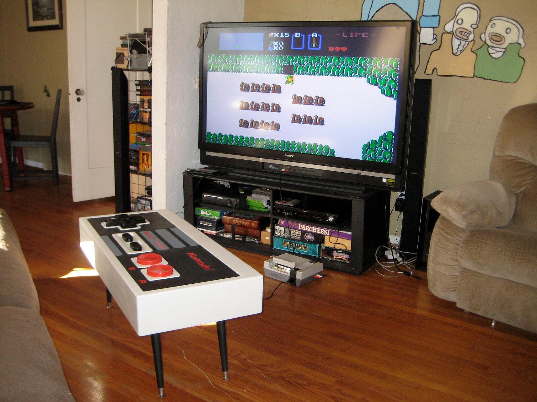 mesa mando gigante NES conectada a Nintendo 8 bits