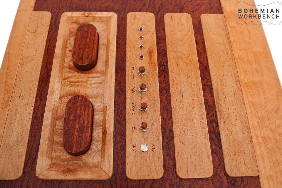 Detalle mesa retro nintendo 8 bits wii madera