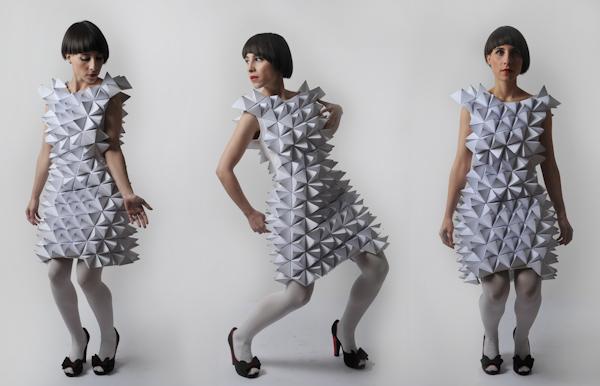 vestidos geométricos de papel Amila Hrustic